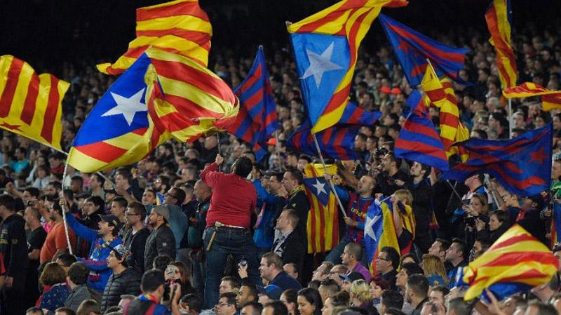 أين سيلعب برشلونة