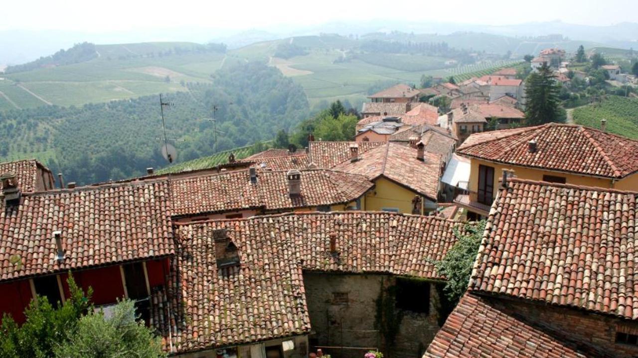 هل تصدق منزل بقرية إيطالية بسعر فنجان قهوة