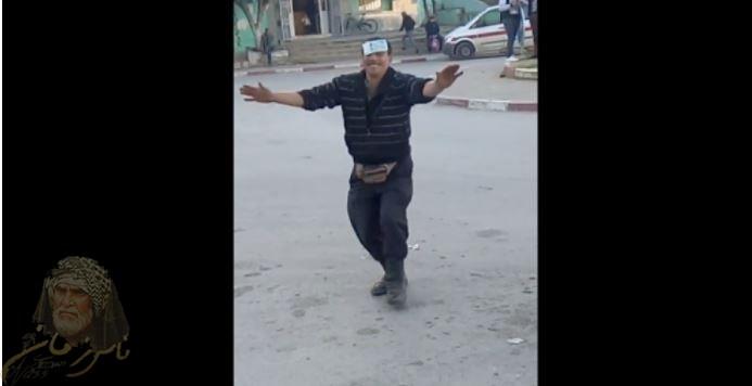 فيديو نقلتها صحف ومواقع عربيّة رقصة بائع فول في باجة
