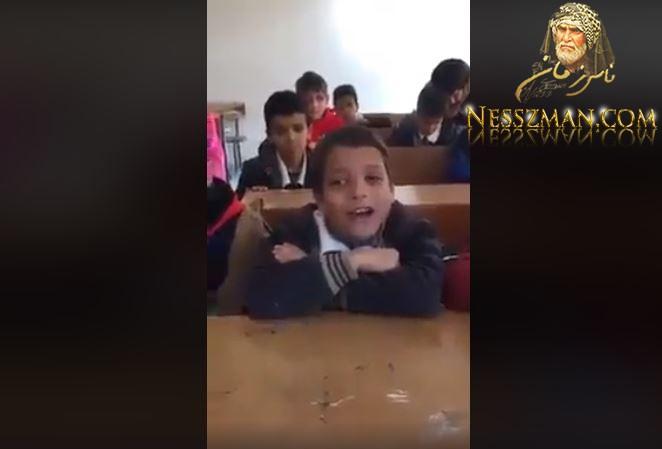 طلب منه معلمه ان يرتل بعض من القرآن فانبهر من جمال صوته !