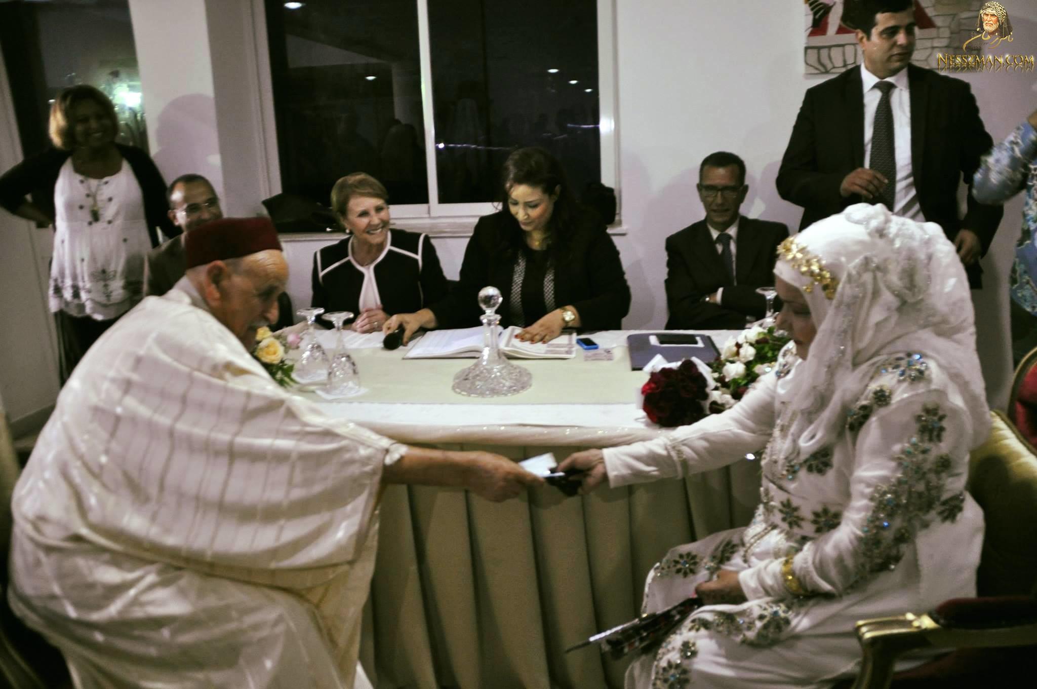 عجوزان في الـ79 من العمر يعقدان قرانهما بقمّرت