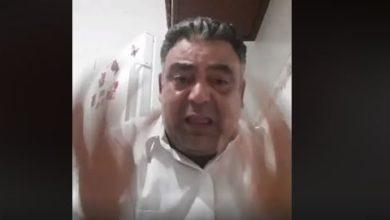 فيديوالأب ينهار باكيا راجيا من السلطات الافراج عن ابنه