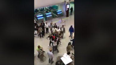 مطار تونس قرطاج ضرب و مضروب 💣😱😱😱