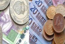 الدينار يواصل نزوله التاريخي والكارثي أمام الأورو والدولار